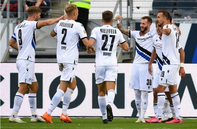 Soi kèo nhà cái tỉ số Augsburg vs Arminia Bielefeld, 17/04/2021 - VĐQG Đức [Bundesliga]